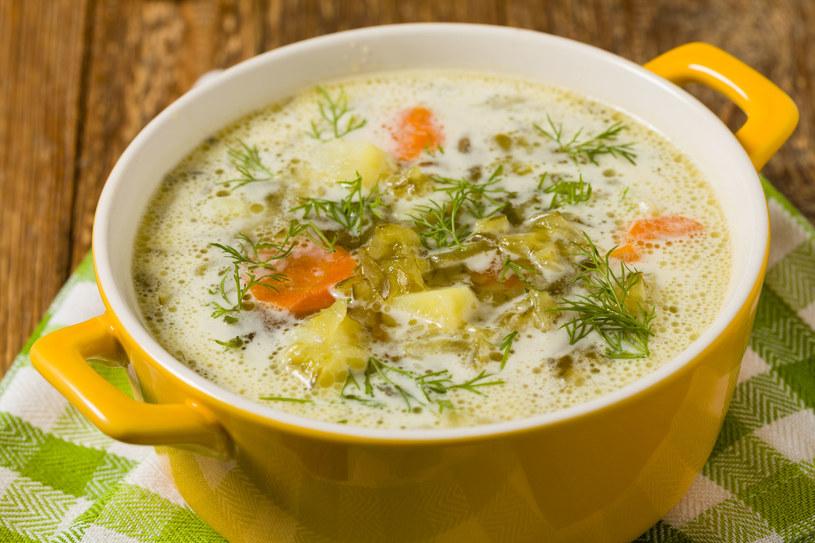 Przecier z ogórków jest niezastąpioną bazą do przygotowania pysznej zupy ogórkowej /123RF/PICSEL