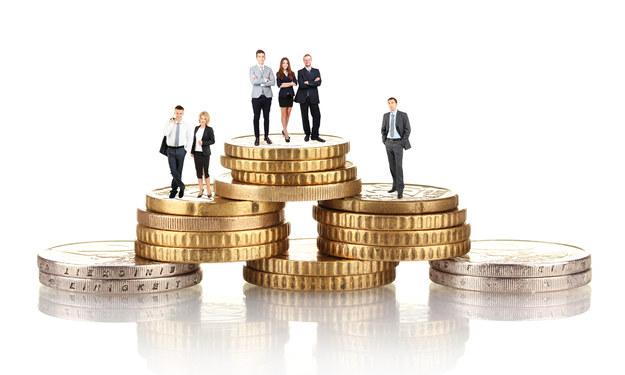 Przeciętne wynagrodzenia kobiet kształtują się na niższym poziomie niż mężczyzn /123RF/PICSEL