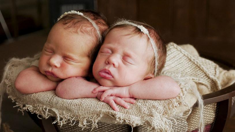 Przeciętnie ciąża bliźniacza zdarza się raz na 80 porodów /123RF/PICSEL