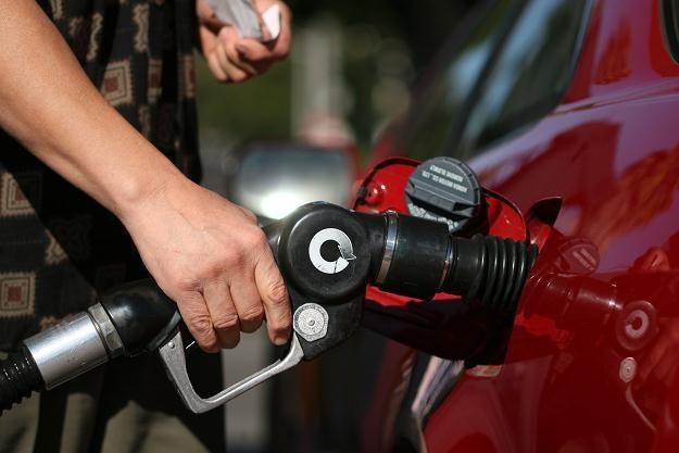 Przeciętny nabywca paliwa nie zostanie pociągnięty do solidarnej odpowiedzialności /©123RF/PICSEL