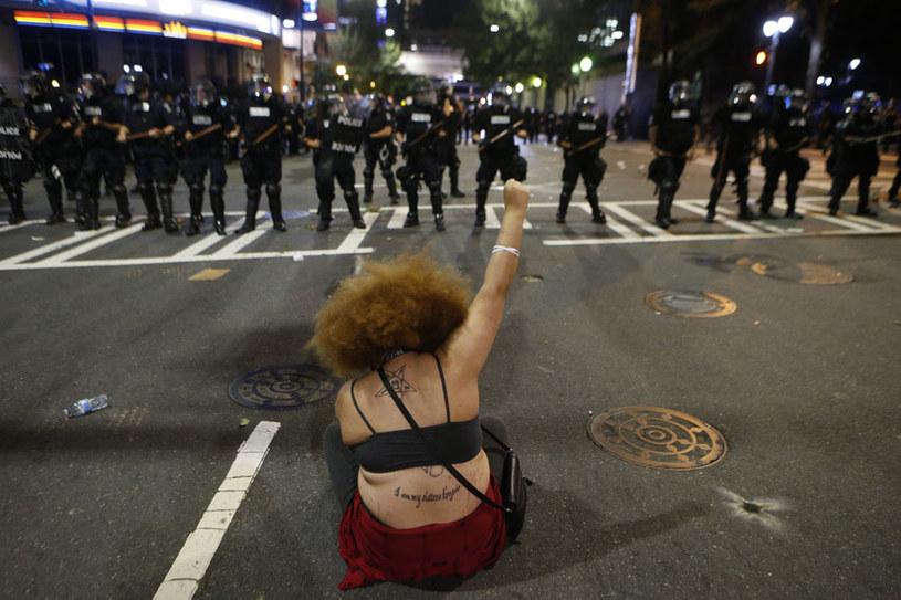 Przeciwko demonstrantom użyto gazu łzawiącego /AFP