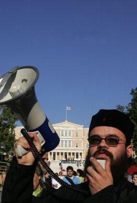 Przeciwko filmowi Howarda protestowali też greccy duchowni /AFP
