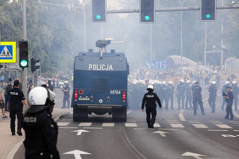 Przeciwnicy I Marszu Równości w Białymstoku / Artur Reszko    /PAP