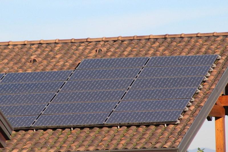 Przeciwnicy instalacji fotowoltaicznych podnoszą argument, jakoby w Polsce panowało zbyt małe nasłonecznienie, żeby inwestycja w instalację była opłacalna /materiały promocyjne