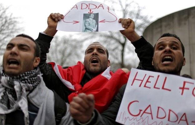 Przeciwnicy Kadafiego porównują go do Hitlera /AFP
