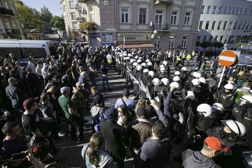 Przeciwnicy marszu usiłowali blokować pochód /Wojtek Jargiło /PAP