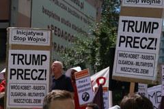 Przeciwnicy Trumpa protestują w Warszawie