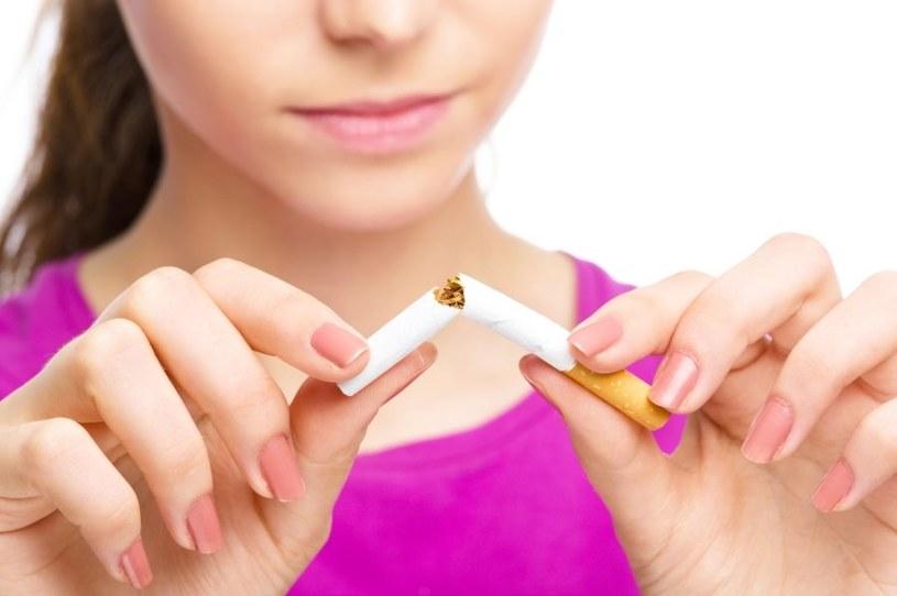 Przed badaniem nie wolno palić tytoniu /123RF/PICSEL