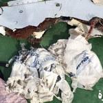 Przed katastrofą w airbusie EgyptAir pojawił się dym? Są zdjęcia odnalezionych fragmentów maszyny