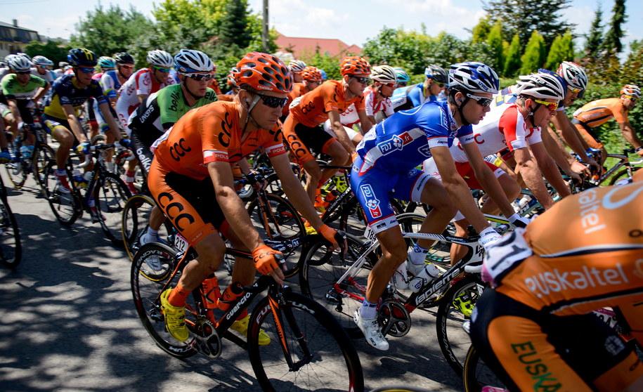 Przed kolarzami V etap wyścigu /Pawel Topolski /PAP