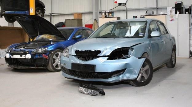 Przed naprawą należy spisać umowę, w której warsztat określi przewidywany czas naprawy. /Motor