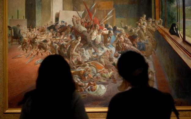 """Przed obrazem """"Melancholia"""" Jacka Malczewskiego (zdjęcie z wystawy w Muzeum Narodowym w Krakowie) /M. Lasyk /East News"""