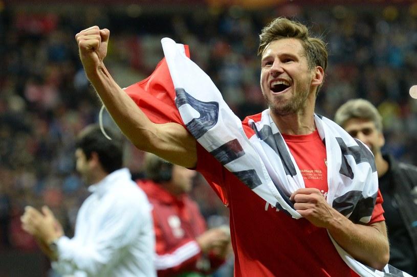 Przed rokiem Grzegorz Krychowiak triumfował z Sevillą w finale w Warszawie /AFP