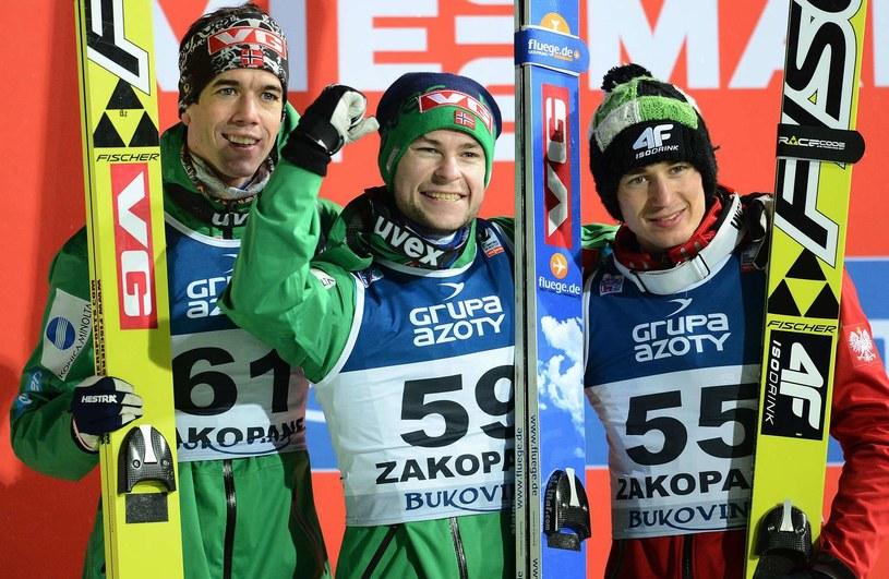 Przed rokiem w Zakopanem świetnie radzili sobie Norwegowie Anders Bardal i Anders Jacobsen oraz Kamil Stoch /AFP