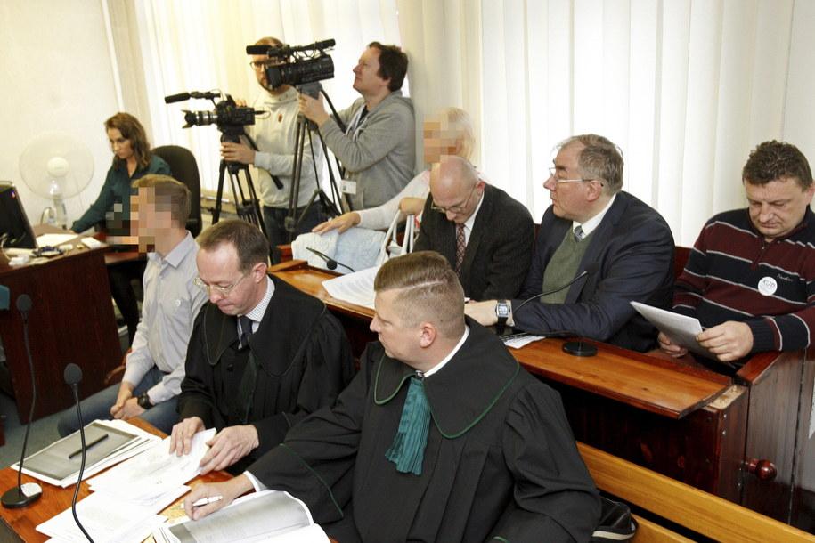 Przed sądem w Suwałkach ruszył proces osób obwinionych o zakłócenie otwarcia wystawy o generale Andersie /Artur Reszko /PAP