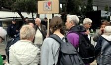 Przed Sejmem dwie demonstracje: za i przeciwko protestowi niepełnosprawnych