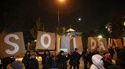 Przed Sejmem protestują zwolennicy KOD