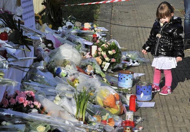 Przed szkołą w Lommel /AFP