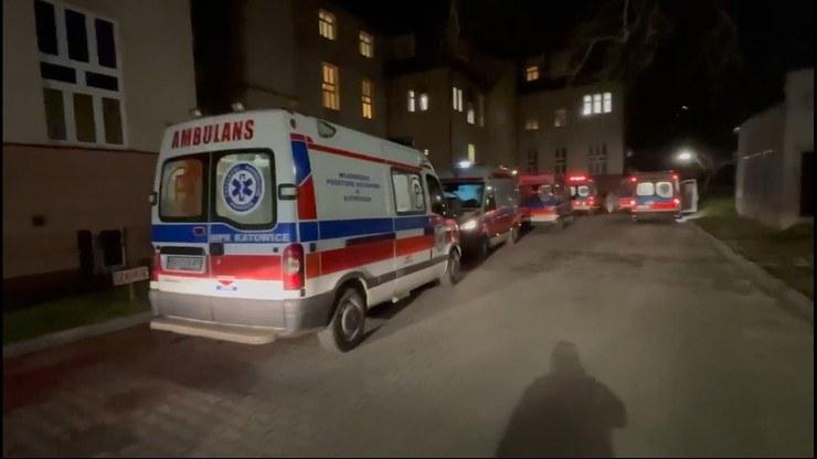 Przed szpitalem w Zabrzu czekało 17 karetek /Polsat News