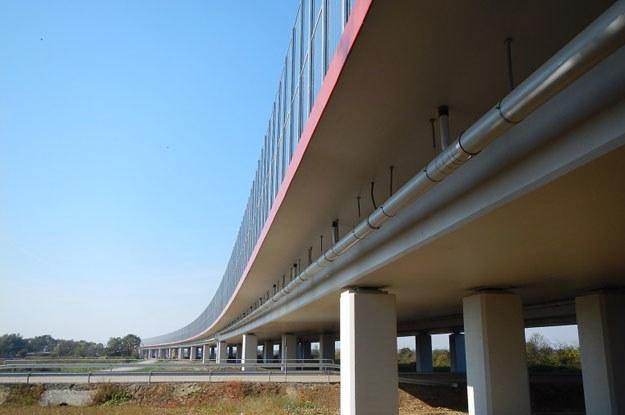 Przed tegorocznym Świętem Zmarłych otwarto m.in. ważny odcinek autostrady A4 z Tarnowa do Dębicy /fot. GDDKiA /