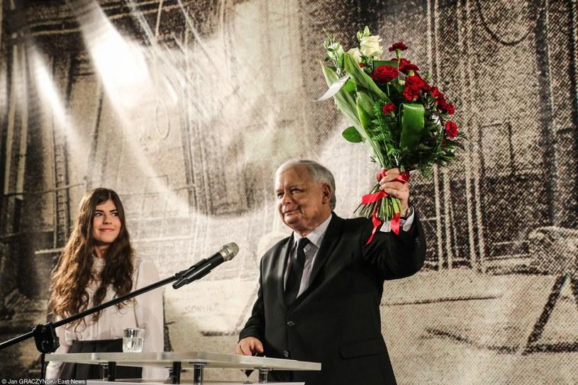 Przed tygodniem kończącym kampanię PiS udało się powstrzymać negatywne trendy /Jan Graczyński /East News