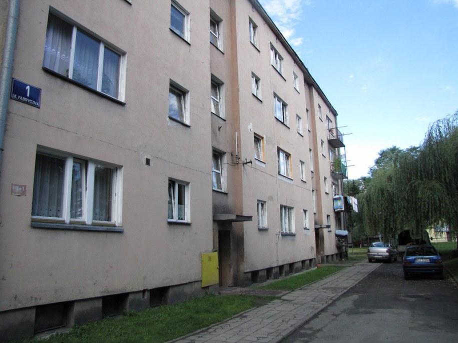 Przed tym blokiem doszło do zamieszek  /Maciej Grzyb /RMF FM