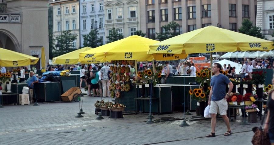 Przed upałem można znaleźć ochłodę pod parasolem /Maciej Nycz /RMF FM