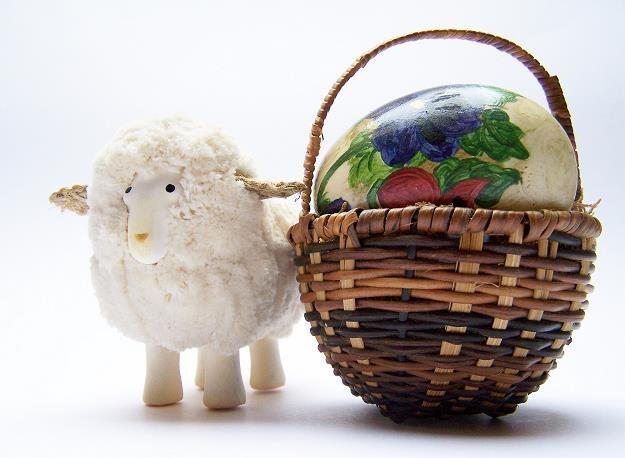 Przed Wielkanocą dyskonty znowu zwiększą ilość promocji /© Bauer
