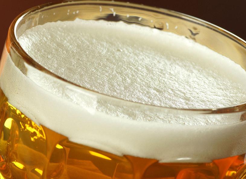 Przed wyborem piwa do zabiegów pielęgnacyjnych, warto zwrócić uwagę na to, aby było ono możliwie jak najbardziej naturalne /Picsel /123RF/PICSEL