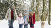 Przed zimowym spacerem: Ochrona skóry dla całej rodziny