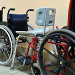 Przedłużają się prace nad projektem ustawy ws. refundacji m.in. wózków inwalidzkich