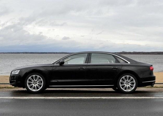 Przedłużone Audi A8 - jedno z nielicznych aut, które spełni wymogi BORu. Za 600 tys. zł /INTERIA.PL