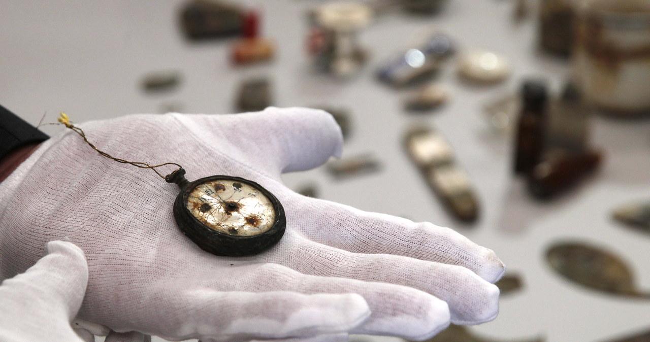 Przedmioty należące do ofiar Auschwitz. Znaleziono jej w magazynach PAN w Warszawie
