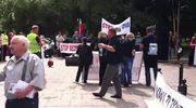 Przedsiębiorcy kontra ZUS, kilkadziesiąt osób demonstruje przed Sejmem
