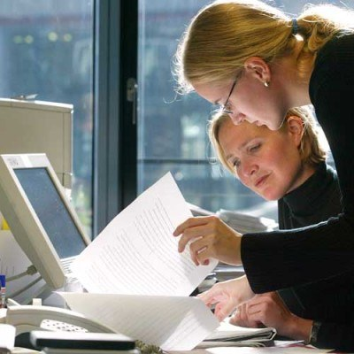 Przedsiębiorcy mają dwa twarde orzechy do zgryzienia /Tax Care