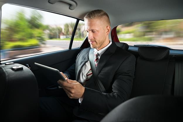 Przedsiębiorcy stracą na sprzedaży samochodu /©123RF/PICSEL