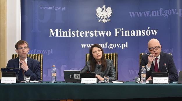 Przedstawiciele MFW (L-P): Bas Bakker, Daria Zacharowa i Wiktor Krzyżanowski w Warszawie /PAP