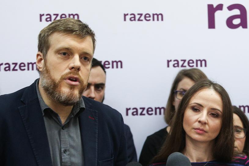 Przedstawiciele partii Razem Adrian Zandberg i Agnieszka Dziemianowicz-Bąk /Michal Dyjuk /Agencja FORUM