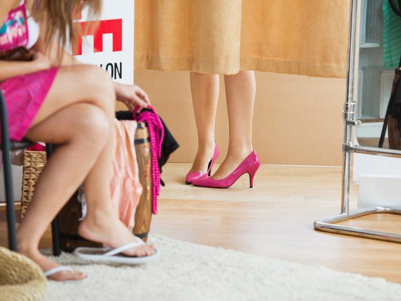 Przedstawicielki płci pięknej przeciętnie przymierzają w życiu... 21 tysięcy sztuk garderoby!  /© Panthermedia