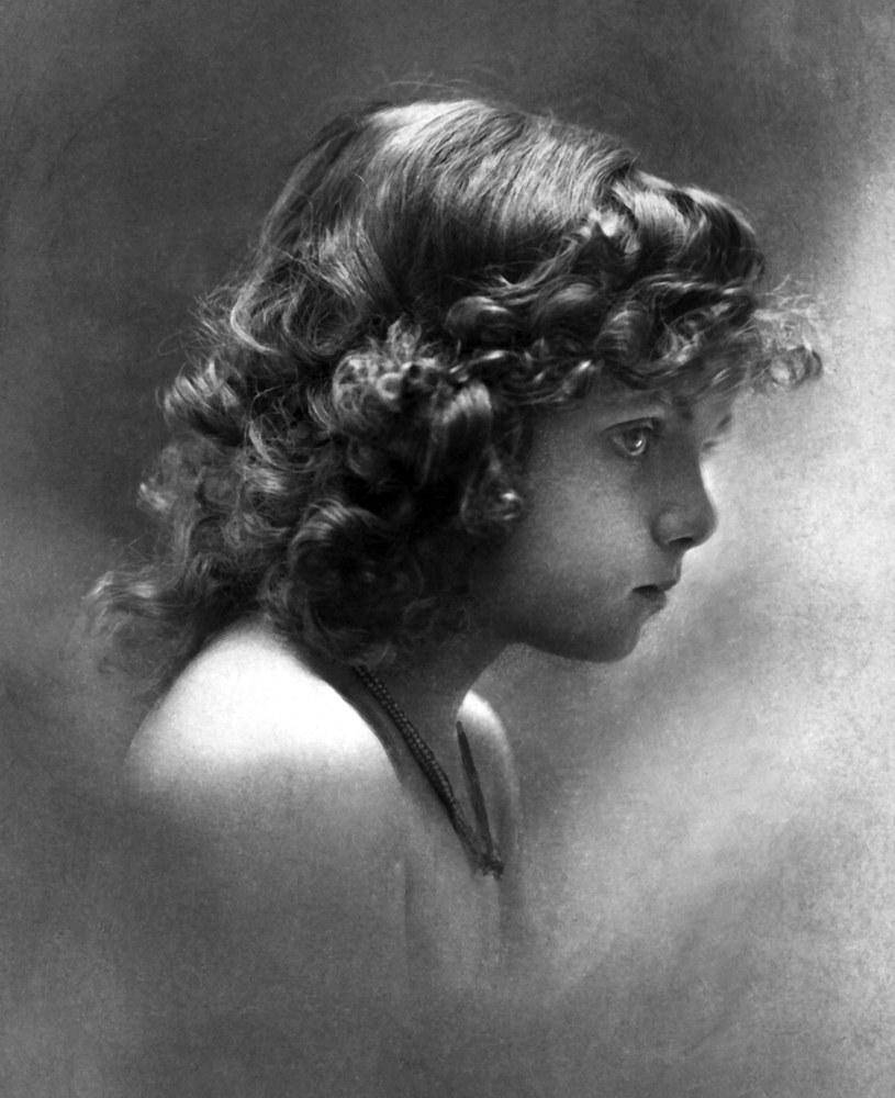 Przedwojenna fotografia anonimowej dziewczynki. Zdjęcie poglądowe (domena publiczna) /Ciekawostki Historyczne
