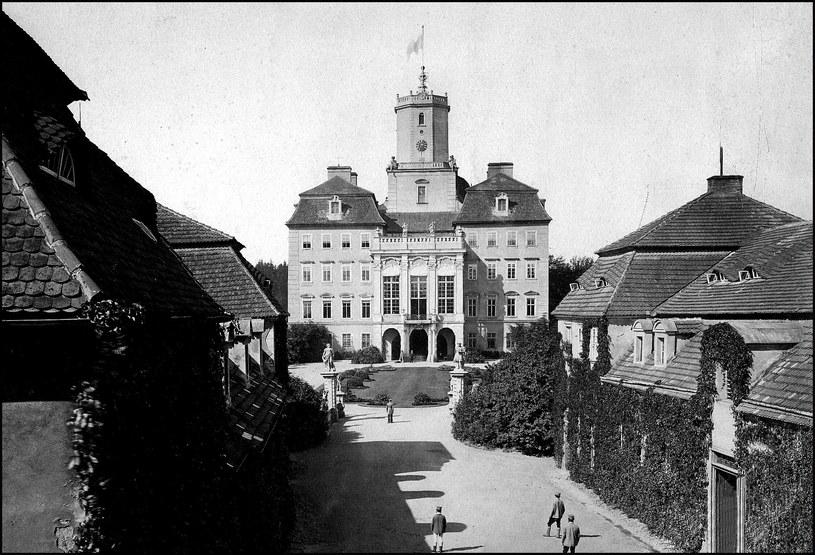 Przedwojenna fotografia dziedzińca zamku Książ /Odkrywca