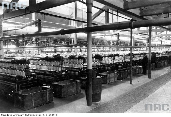 Zakłady Włókiennicze Widzewska Manufaktura S.A. w Łodzi. Przędzalnia amerykańska - fragment obrączniaków, 1938