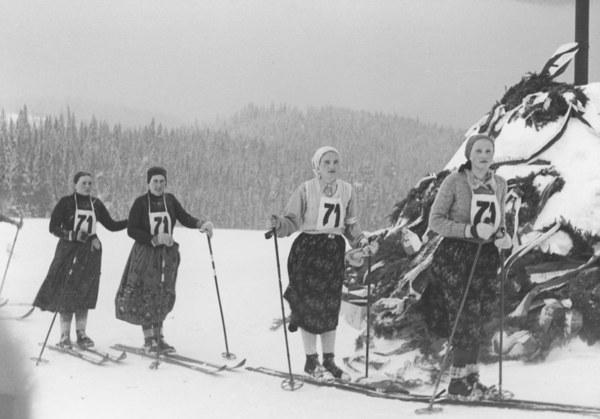 Dla uczczenia pamięci o walkach legionistów i o pomocy niesionej im przez Hucułów organizowano corocznie od 1934 r. marsz narciarski Huculskim Szlakiem II Brygady Legionów Polskich. Jego inicjatorem był wiceminister spraw wojskowych gen. Kasprzycki.