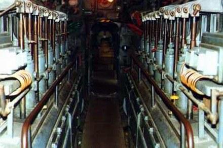 Przedział diesli na okręcie podwodnym klasy VIIC / Kliknij /