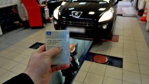 Przegląd, rejestracja samochodu? Są z tym olbrzymie problemy!