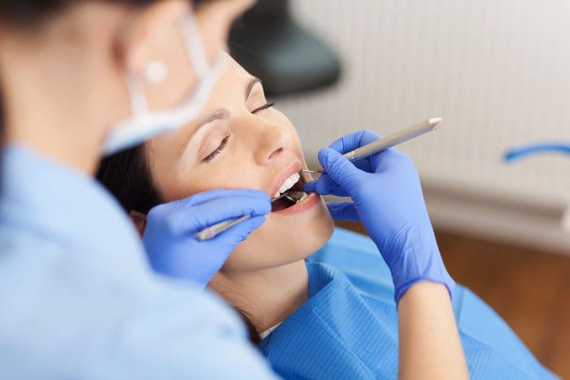 Przegląd stomatologiczny może uratować ci życie! /123RF/PICSEL