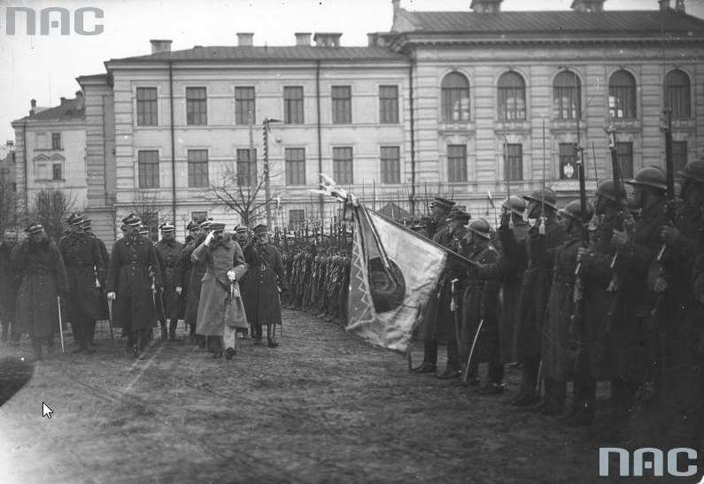 Przegląd Wojska Polskiego dokonany przez Józefa Piłsudskiego po zajęciu Wilna /Z archiwum Narodowego Archiwum Cyfrowego