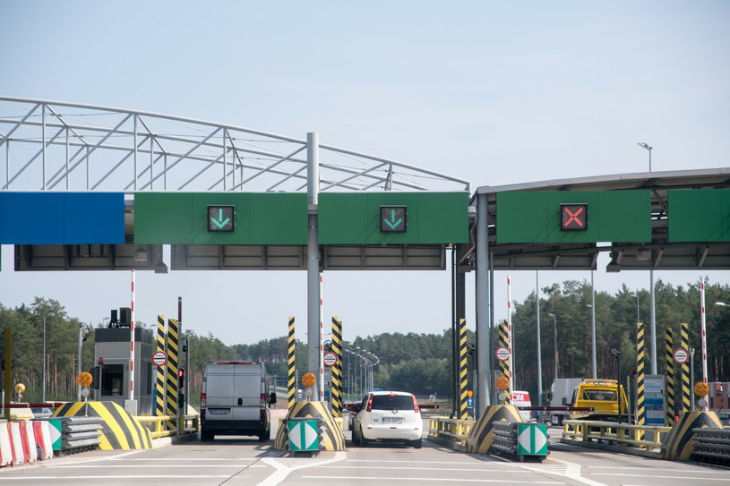 Przejazd autostradą A2 jest już droższy /Wojciech Stróżyk /Reporter