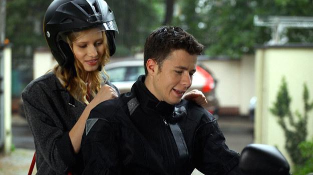 Przejażdżka motocyklowa skończy się dla Karoliny tragicznie... /Agencja W. Impact