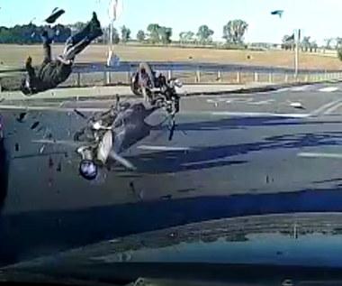 """Przejechał """"Stop"""" i doprowadził do zderzenia z motorowerzystą"""